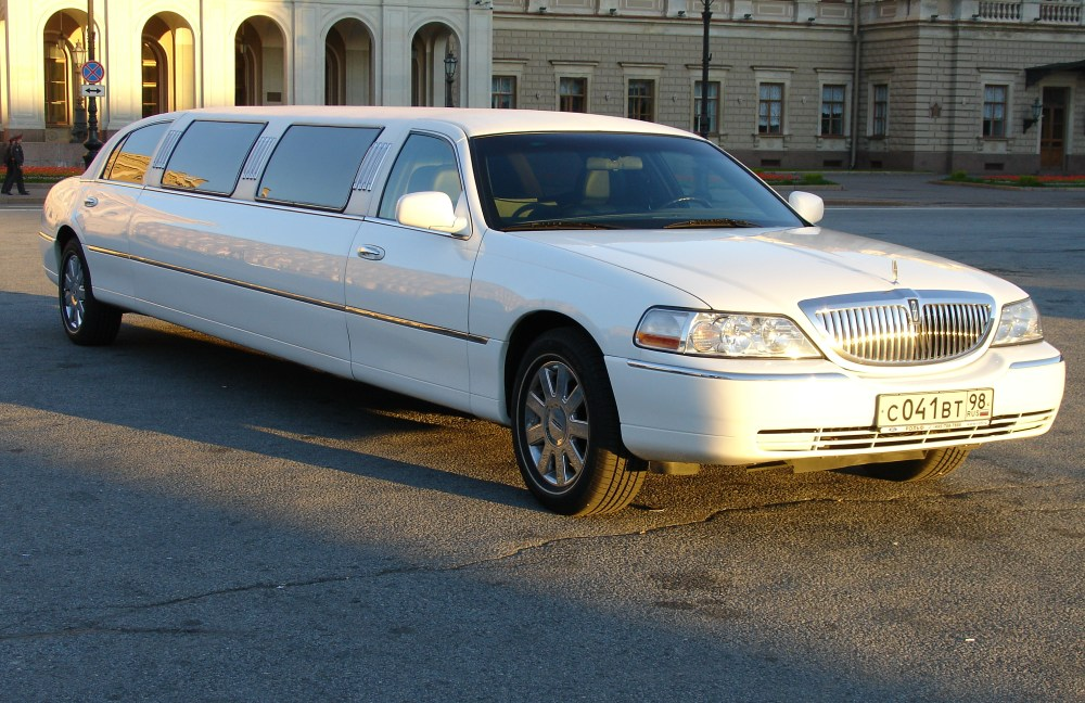 Фото Lincoln Town Car